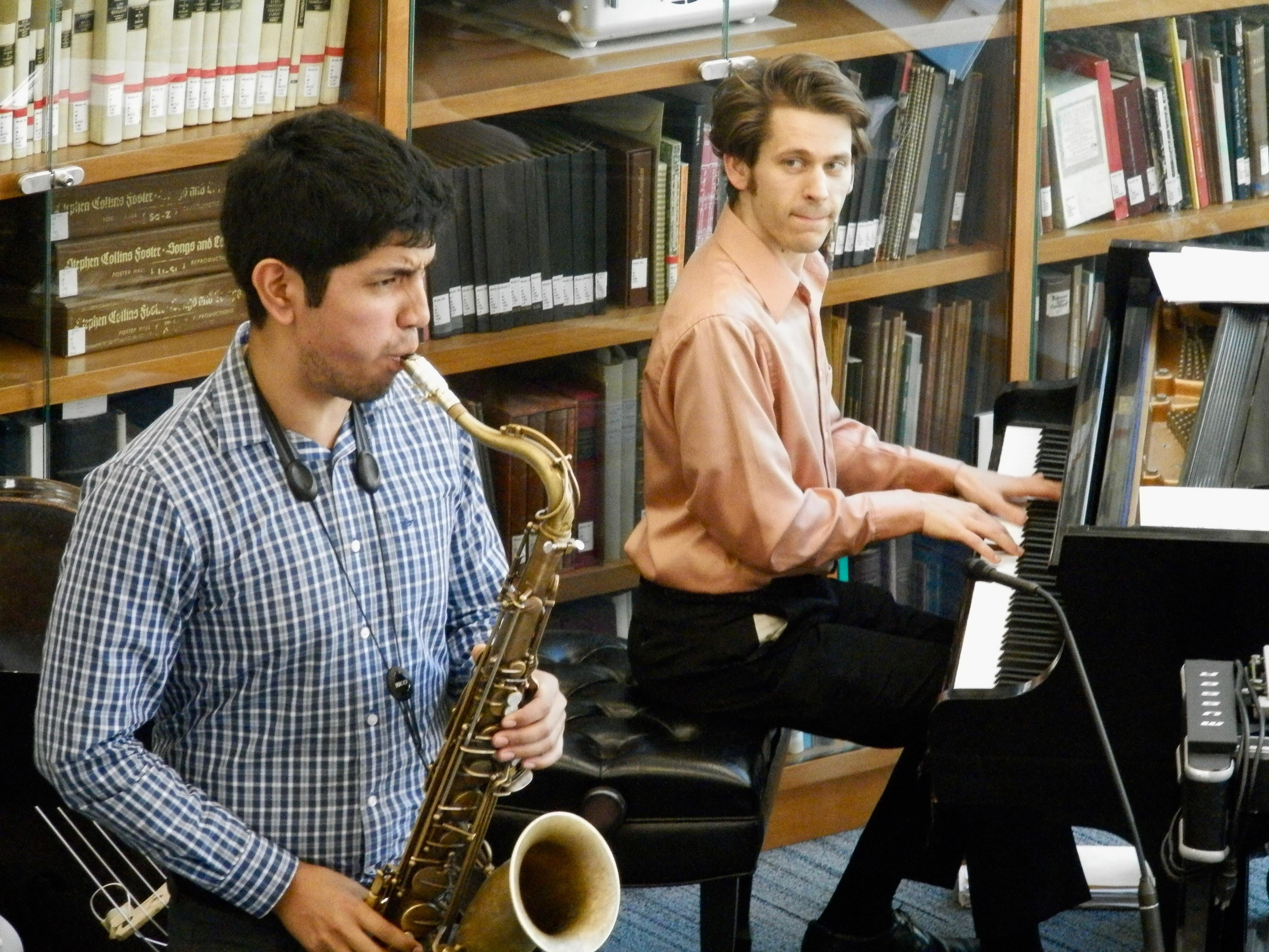 Saxophonist Julio Flavio Maza and pianist Glenn Tucker